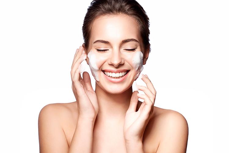 روش-های-پاکسازی-پوست-بوسیله-دستگاه-بخور-دولول-سرد-گرم-سایان-سنتر