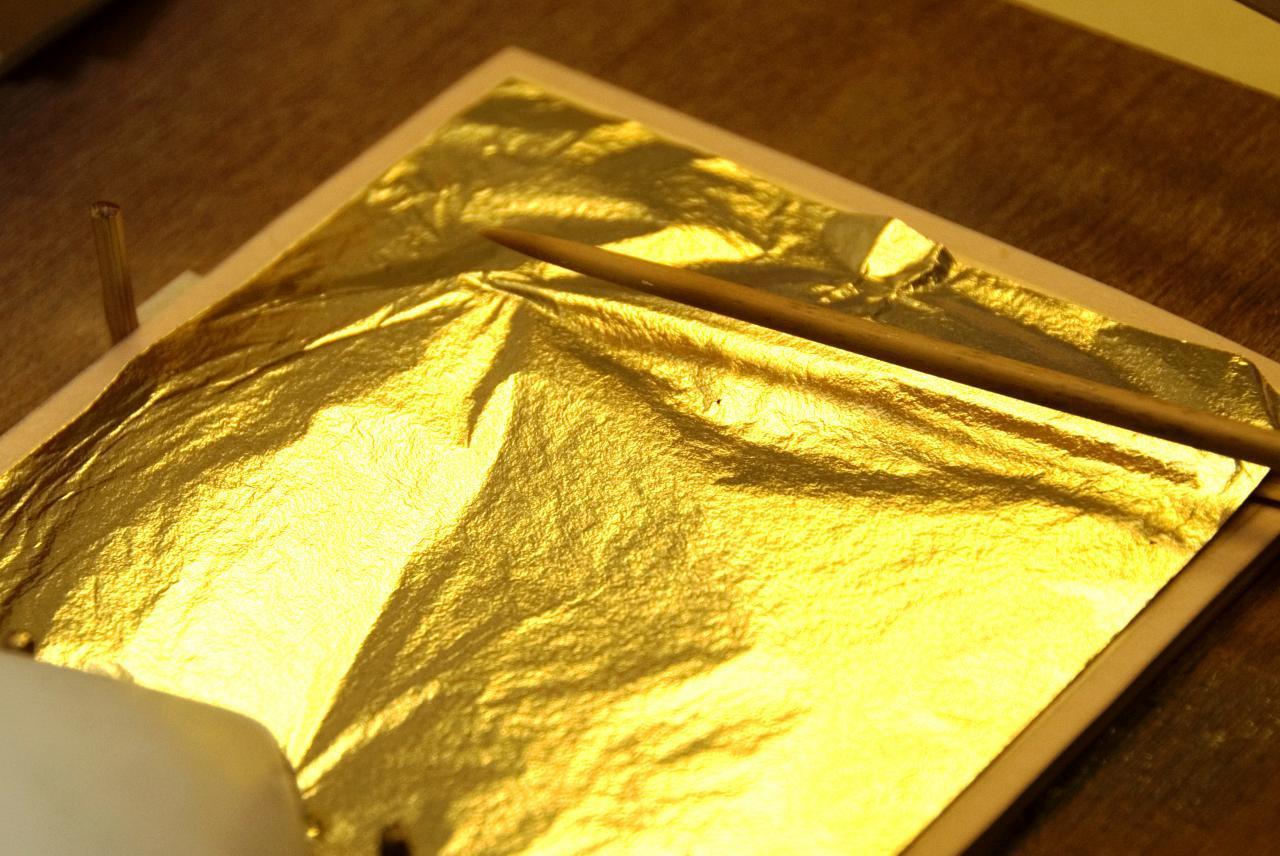 ماسک-ورقه-ای-طلا-کاهش-دهنده-چین-و-چروک